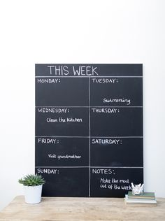DIY: Create a week calendar for all your family plans with the exact measurements that fit your kitchen.