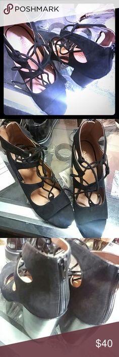 """""""Janne""""Black lace up chunky heels """"Janne"""" black strappy chunky heels A bootie-style silhouette with gladiator lace-up accents perfect for work or play. - Multi-strap ankle wrap. - Almond toe. - Block heel. 3.5""""?1.75"""" heel.  3"""" shaft height. Gently used..toe has wear as shown Aldo Shoes"""