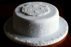 Classic embroidery cake