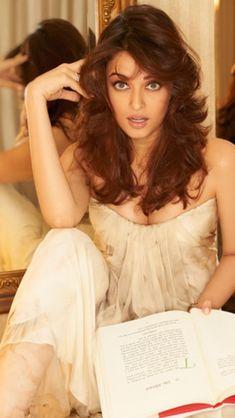 Aishwarya Rai my beautiful. Aishwarya Rai Pictures, Aishwarya Rai Photo, Actress Aishwarya Rai, Aishwarya Rai Bachchan, Indian Bollywood Actress, Beautiful Bollywood Actress, Most Beautiful Indian Actress, Beautiful Actresses, Indian Actresses