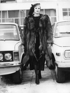 Moda w czasach PRL-u nie była nudna! - Moda Dressed To Kill, My Childhood, Fur Coat, Hair Beauty, Kawaii, Polish, Communism, Jackets, Photography