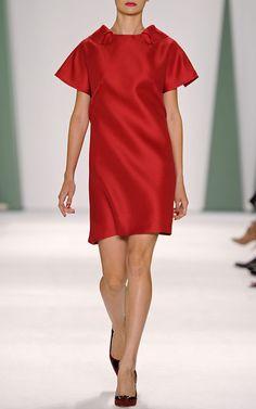 Heavy Gazar Collar Dress In Dark Pink by Carolina Herrera Spring 2015 for Preorder on Moda Operandi