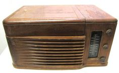 shopgoodwill.com: Vintage Philco Radio/Phono Model 46-1203
