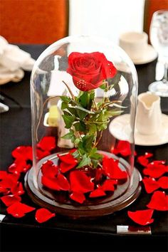 Unique Wedding Photos - can we just talk about the fact that this is a beauty and the beast inspired center piece ahhhh love it