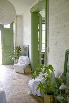 Soft Green Home ~ Mary Wald's Place - Château de Dirac Les petites Emplettes via Nat et nature