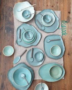 101 Besten Keramik Projekte Id – Tableware Design 2020 Pottery Plates, Ceramic Plates, Ceramic Pottery, Ceramic Art, Clay Crafts, Diy And Crafts, Keramik Design, Ceramics Projects, Ceramics Ideas
