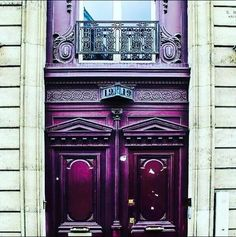 I love these purple doors in Paris!
