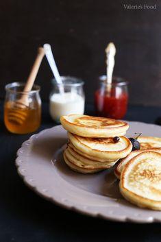 OLADI (CLĂTITE RUSEȘTI) I Rețetă + Video – Valerie's Food Yams, Sweet And Salty, Crepes, Foodies, Pancakes, Baking, Breakfast, Sweets, Morning Coffee