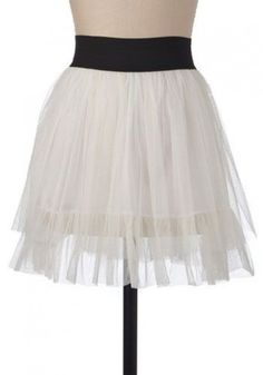 i love tulle skirts. i need to find a cute one and wear it. Posture Fix, Bad Posture, Cute Skirts, Mini Skirts, White Tulle Skirt, Vintage Skirt, Playing Dress Up, Love Fashion, Future Fashion