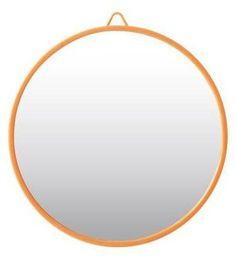 Klein ronde spiegeltje met gekleurde rand van RICE is erg decoartief en niet duur. Online hier te koop, dus neem snel een kijkje!