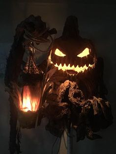 awesome pumpkinrot inspired pumpkin creature by Steve Blumke Halloween Scarecrow, Halloween Artwork, Halloween Pictures, Halloween Wallpaper, Halloween Horror, Holidays Halloween, Spooky Halloween, Halloween Themes, Halloween Pumpkins