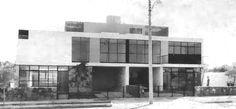 Fachada principal, Conjunto de dos casas, (dirección desconocida), Guadalajara, Jalisco, México 1957  Arq. Job Hernández Dávila -   Main facade, Set of two houses, (address unknown), Guadalajara, Jalisco, Mexico 1957