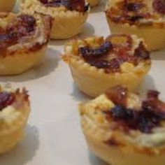 Mini Tartlets with Caramelized Onions, Bacon & Gorgonzola Cheese Wine Recipes, My Recipes, Gourmet Recipes, Gorgonzola Cheese, Goat Cheese, Mini Tartlets, Cheese Tarts, Shrimp Dishes, Blue Cheese