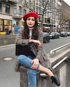 Parisian Style: Everything You Need To Know About French Women's Fashion Paris Outfits, Outfits With Hats, Mode Outfits, Fashion Outfits, Fall Winter Outfits, Autumn Winter Fashion, Fall Fashion, Autumn Look, Winter Chic