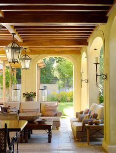 Mediterranean-style Outside Decorating 13 Tuscan Style Patio Decorating Patio Farmhouse with Exposed Beams Contemporary Fire Pits 6 Outdoor Living Areas, Outdoor Rooms, Outdoor Decor, Living Spaces, Indoor Outdoor, Outdoor Dining, Living Rooms, Spanish Style Homes, Spanish House