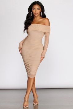 Hourglass Off Shoulder Ruched Midi Dress – Windsor Classy Dress, Classy Outfits, Pretty Outfits, Slim Fit Dresses, Casual Dresses, Summer Dresses, Ruched Dress, Bodycon Dress, Bodycon Style