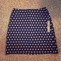 -loft curvy fit polka dot skirt- Stretchy pointe skirt with pockets, super cute!! 17 inches long. Nwt! LOFT Skirts Mini