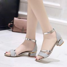 2019 Summer Sandals - Want to buy - Zapatos Black Chunky Heels, Black Strappy Heels, Black High Heels, Black Shoes, Hijab Style, Prom Shoes, Buy Shoes, Wedding Shoes, Women's Shoes
