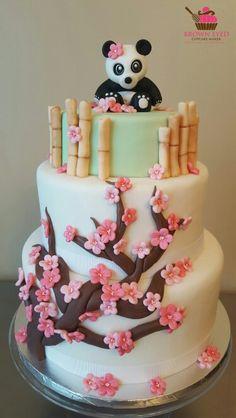 Panda, bamboo and cherry blossom cake. Panda Birthday Party, Panda Party, Luau Birthday, Birthday Cakes, Cute Cakes, Yummy Cakes, Cake Icing, Cupcake Cakes, Beautiful Cakes