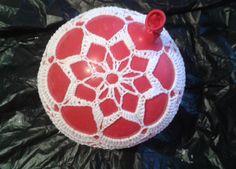 Neanomat: Pitsipallon ohje Diy Crochet, Mini, Diy And Crafts, Christmas Bulbs, Knitting, Holiday Decor, Pallot, Crocheting, Diy Ideas