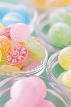Candy Vintage shabby chic home decor Pastel unicorn color pink blue light violet green mint beautiful colorful kawaii things objects cute orange yellow Pastel Candy, Colorful Candy, Candy Colors, Soft Colors, Pastel Colors, Soft Pastels, Pastel Palette, Colours, Candyland