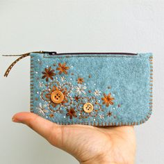 Felt Purse Wallet ø Hand Embroidered ø Sweet por LoftFullOfGoodies