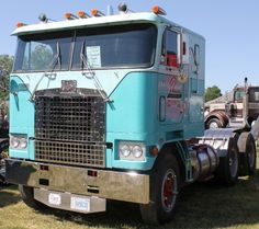 Rare 1974 Diamond Reo Cabover Truck with Spider Wheels, Great Lakes Truck Show, Clifford, ON, 2012 Chevy Trucks Older, Big Rig Trucks, Semi Trucks, Cool Trucks, Chevy Classic, Classic Trucks, Classic Cars, Classic Style, Antique Trucks