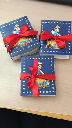 Libro di Pinocchio Pinocchio, Ideas Para Fiestas, Holidays And Events, First Birthdays, Party Themes, Gift Wrapping, Books, Party, Theme Parties
