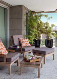 lindos móveis para area externa (sofá, puff e mesa)