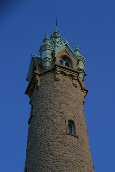 Old North Pointe Water Tower in Milwaukee, Wisconsin - photo by funky_abstract, via Flickr