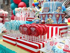 Ideas para mesas de dulces, de www.fiestafacil.com / Sweet table ideas, from www.fiestafacil.com