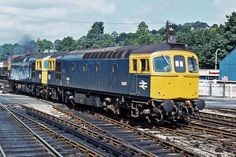 Railway Herald :: Imaging Centre :: 6581 at Exeter St Davids Electric Locomotive, Diesel Locomotive, Uk Rail, South Devon, British Rail, Train Pictures, Rolling Stock, Exeter, Double Trouble