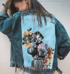 Jaqueta de segona mà pintada a mà per Comboi de Tarongina amb una versió de la il·lustració de Lara_lars Ropa pintada a mano Denim, Fashion, Jacket, Painted Clothes, Moda, Fashion Styles, Fashion Illustrations, Jeans