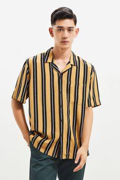 Slide View: 1: UO Vertical Stripe Rayon Short Sleeve Button-Down Shirt
