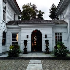 An idea to join guest house and main house. Entrance to Robert Couturier's house in Kent, Perfection Architecture Exterior, Entry Foyer, Beautiful Homes, Exterior, Exterior Design, Clapboard, Breezeway, Interior And Exterior, House Exterior