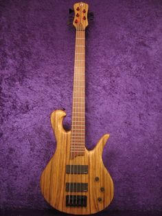 5 String Bass «  Drake Custom Bass