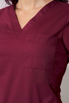 The 4 Best Nursing Schools In America – Nursing Degree Info Scrubs Outfit, Scrubs Uniform, Doctor White Coat, Nursing School Prerequisites, Online Nursing Schools, Lab Coats, Womens Scrubs, Nursing Clothes, Medical Scrubs