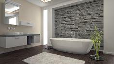 Im Bad ein Wand-Dekor aus Naturstein
