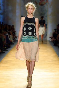 something about this #retrolook looks so mismatched but feels so right! {Nicole Miller #Spring2014 Ready-to-Wear Collection}