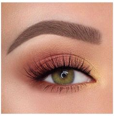 Idée Maquillage 2018 / 2019 : Orange and yellow eyeshadow eye makeup inspiration - Eye Makeup Makeup Eye Looks, Makeup For Green Eyes, Cute Makeup, Pretty Makeup, Simple Makeup, Skin Makeup, Eyeshadow Makeup, Natural Makeup, Makeup Brushes