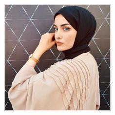 Bu fotoğrafı çekerken ki keyfimden istiyorum 😥 bugün modunuz nasıl bebekler ben biraz düştüm galiba Modest Fashion, Hijab Fashion, Save From Instagram, Instagram Story, Instagram Posts, Hijab Outfit, Photo And Video, Liberty, Outfits