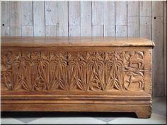 Román stílusú antik bútor, román bútor, román stílus, romanika, bútorstílusok - # Loft bútor # antik bútor#ipari stílusú bútor # Akác deszkák # Ágyásszegélyek # Bicikli beállók #Bútorok # Csiszolt akác oszlopok # Díszkutak # Fűrészbakok # Gyalult barkácsáru # Gyalult karók # Gyeprács # Hulladékgyűjtők # Információs tábla # Járólapok # Karámok # Karók # Kérgezett akác oszlopok, cölöpök, rönkök # Kerítések, kerítéselemek, akác # Kerítések, kerítéselemek, akác, rusztikus # Kerítések… Hope Chest, Storage Chest, Furniture, Vintage, Home Decor, Decoration Home, Room Decor, Home Furnishings, Vintage Comics