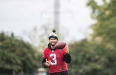 QB Derek Anderson at practice Derek Anderson, Carolina Panthers, Super Bowl, Nfl, Couple Photos, Couple Photography, Nfl Football, Couple Pics
