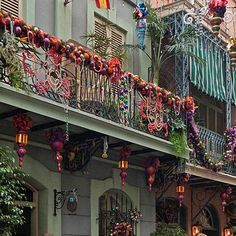 new orleans square christmas decorations with beads photographer betsy malloy photography
