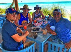 Il campione di Golf, Jordan Spieth, reduce dalla sconfitta contro il 28enne Danny Willett, all'Augusta Masters, pare si stia consolando alle Bahamas …