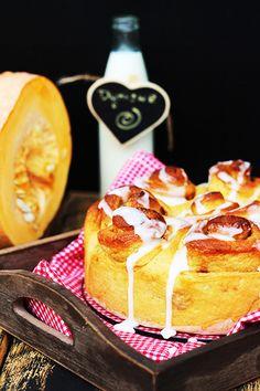 Pumpkin and cinnamon rolls Cinnamon Rolls, My Recipes, Pastries, French Toast, Pumpkin, Breakfast, Food, Morning Coffee, Pumpkins