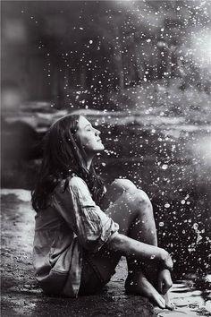 """""""La poesía nace del dolor. La alegría es un fin en sí misma."""", Jorge Luis Borges #citas"""
