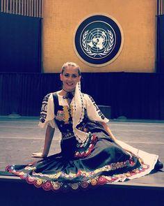 Slovenská krása a folklór na pôde OSN  #praveslovenske od @lucnica_stefania  Feeling great at UN General Assembly Hall  #lucnica #osn #newyork #un #slovak #folklore #slovakfolklore #girl #beautygirl #slovaktraditions #slovakia #slovensko #kroj #beauty #proud