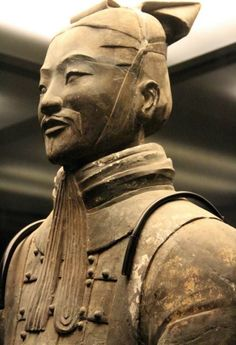 High chance is that we all know the Great Wall of China. The one who according to the historians built the Great Wall was Qin Shi Huangdi the first emperor of unified China. Terracotta Army, China Today, Japanese Warrior, Shadow Warrior, China Art, Ancient China, Chinese Culture, Ancient Civilizations, Ancient History