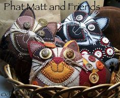 Phat Matt And Friends with Christen Brown -online class at Joggles. Fabric Crafts, Sewing Crafts, Sewing Projects, Felt Projects, Cat Crafts, Arts And Crafts, Wooly Bully, Cat Quilt, Felt Cat
